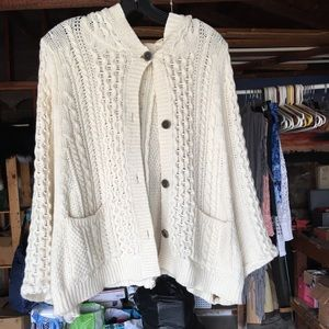 Hooded, boho-chic poncho Cardigan sweater